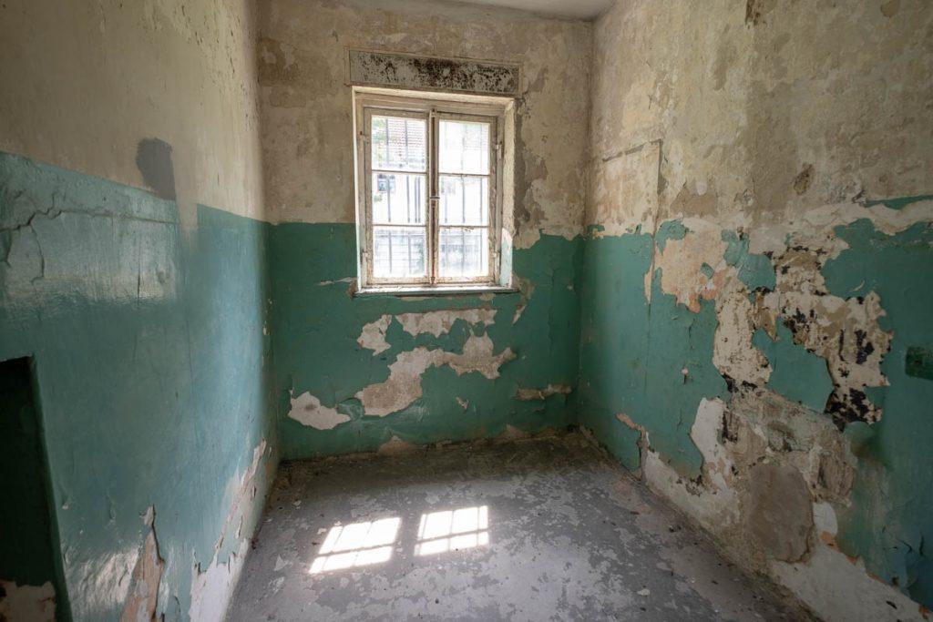Inside a cell at Dachau