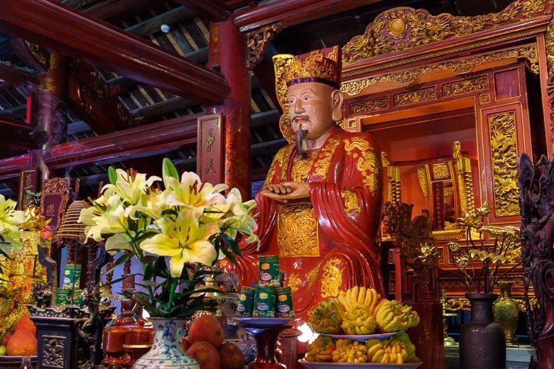 Statue of Confucius at Temple of Literature in Hanoi, Vietnam.